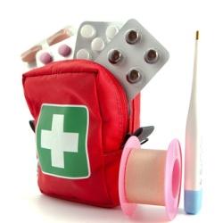 Аптечка для подорожі та відпочинку з дитиною