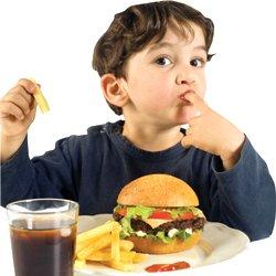 Як відучити дитину від шкідливої їжі?
